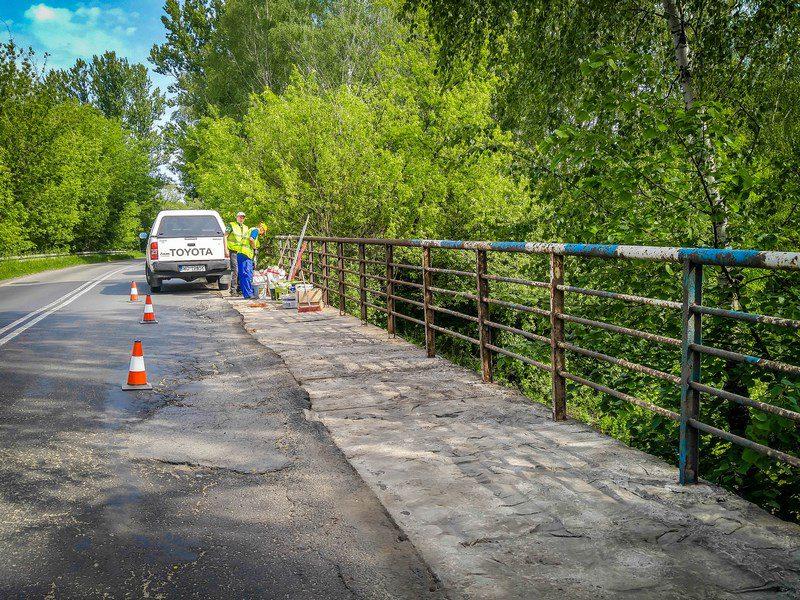 Most na Batorego w trakcie .