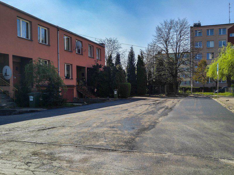 Zubrzyckiego 17 parking gotowy.