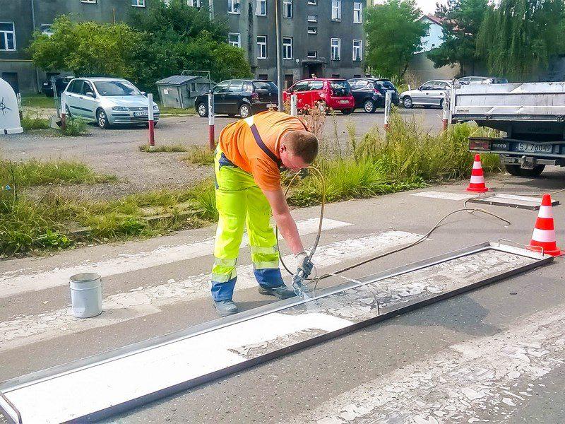Bezpieczeństwo malowanie pasów Koszarowa (Kopiowanie)