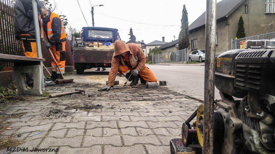 Prace naprawcze infrastruktury chodnikowej - ul. Reja