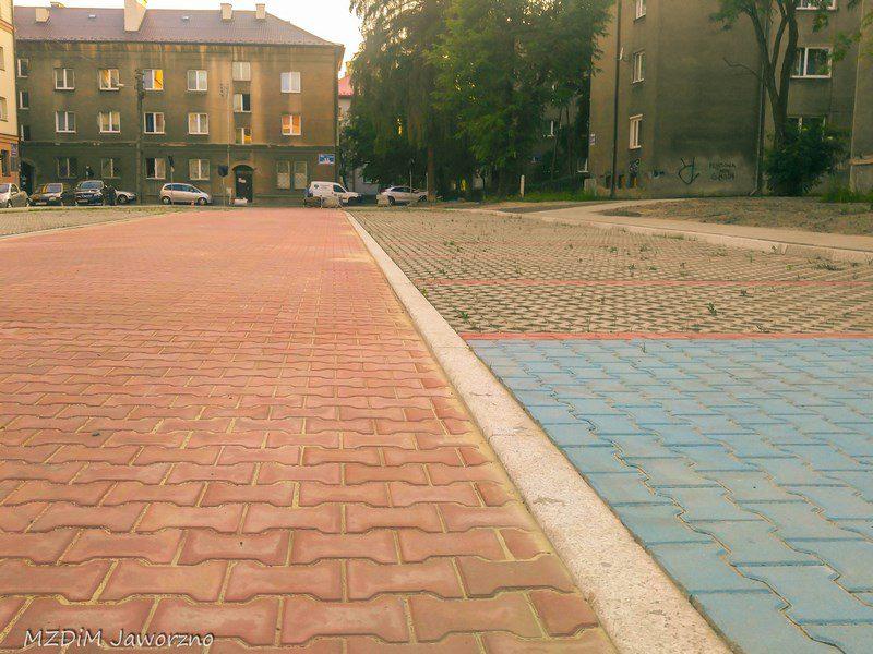 Powstały parking przy ul. Łukasiewicza 9 a i b