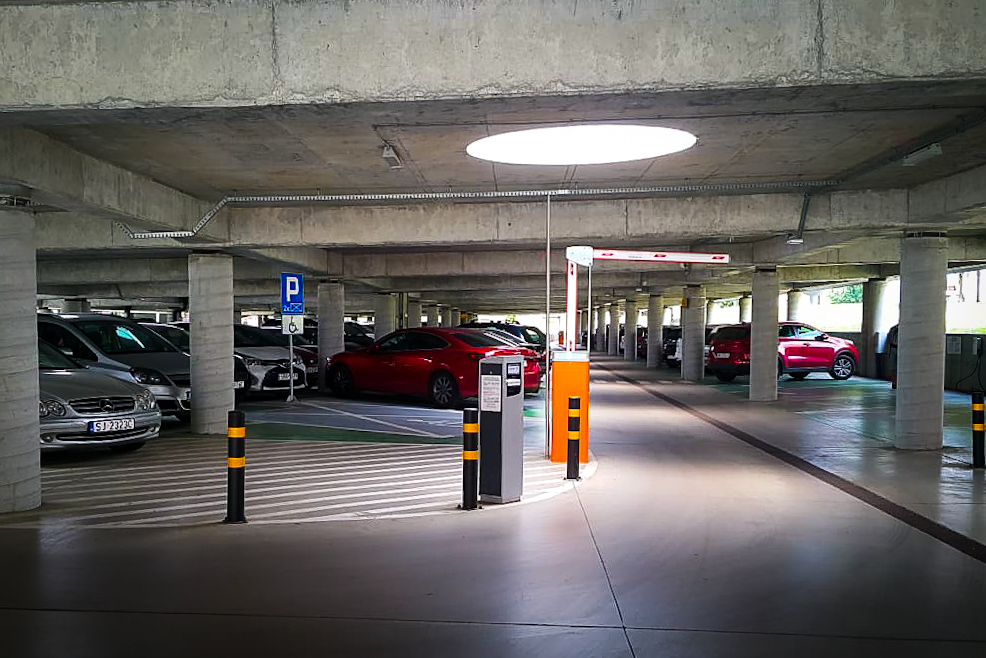 Na zdjęciu widoczny jest parking Miejskie Centrum Integracji Transportu
